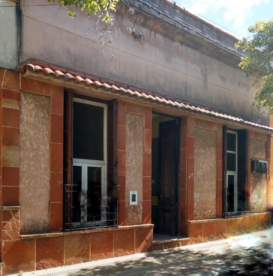 VENTA - Casa a restaurar - Bs Aires al 300. Concordia