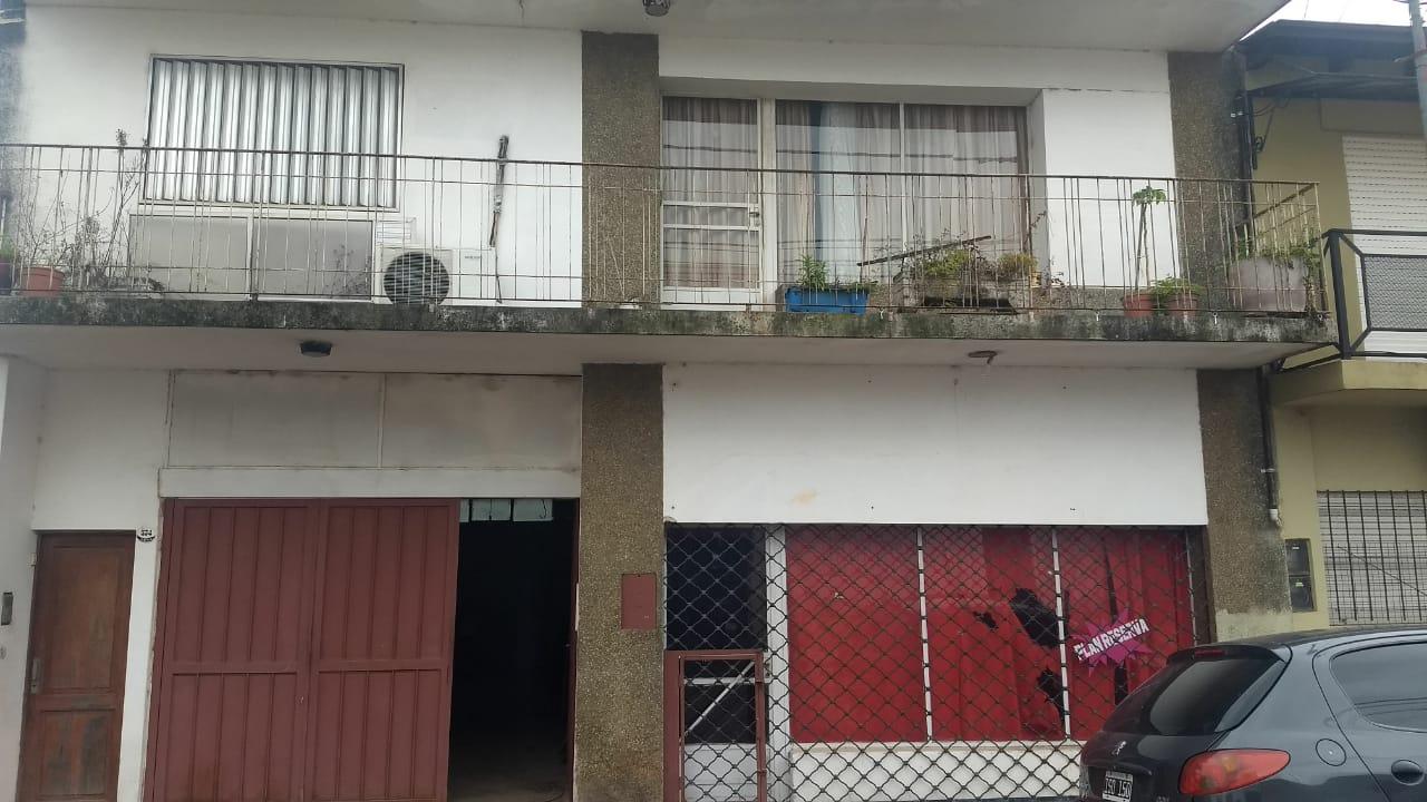 CASA EN CALLE PERU AL 550